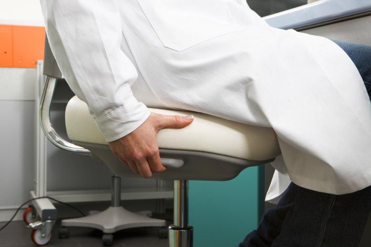 Sedie e sgabelli ergonomici da laboratorio labster sedute da